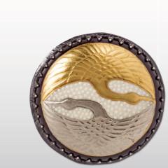 向い鶴 <br />慶事に華を添える、 黄金の鶴と白銀の鶴